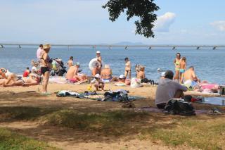 Фото: PRIMPRESS | «Мужик-то жив?»: видео с пляжа набирает популярность в Приморье