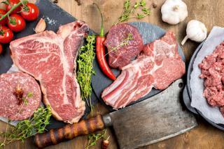 Фото: freepik.com   Эксперт назвал безопасную порцию красного мяса для человека