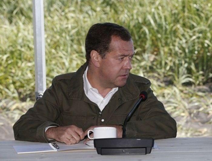 Медведев обрисовал в ДФО экономическую болезнь России