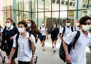 Фото: freepik.com | Одежда для школьников оказалась опасной