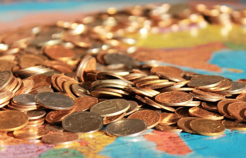 Хроника кризиса: крупнейшие падения рубля, и что в это время происходило в Приморье