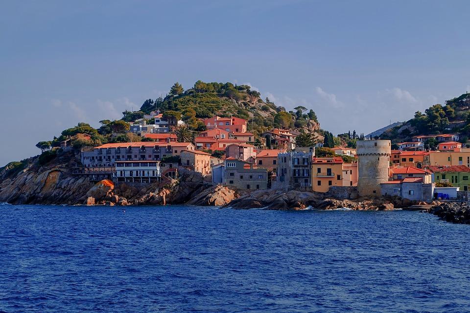 Дешевле, чем во Владивостоке: квартира в Италии, вилла в Турции, дом в Болгарии
