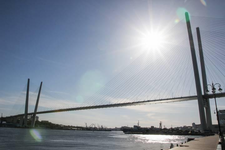 В соцсетях показали, как должен был выглядеть Золотой мост