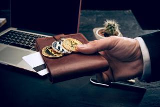 Фото: freepik.com | Суммарная стоимость криптовалюты превысила два триллиона долларов