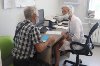 Фото: Екатерина Дымова / PRIMPRESS | Специалист Приморского краевого онкологического диспансера рассказала, когда лучше вакцинироваться от COVID-19