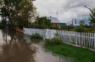 Фото: Александр Сафронов / primorsky.ru   «Это гораздо дешевле, чем строить новые дома»: в Приморье проводят меры по предупреждению паводков