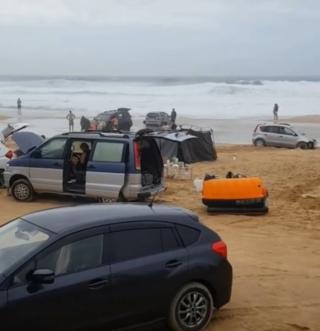 Фото: @irecommend_vdk   «Предупреждали же»: популярный среди приморцев пляж смыло ночным ливнем
