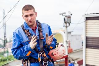Фото: Екатерина Борисова | Владивостокский высотник Евгений Ишимов: «На 200-метровые башни лезем не за романтикой»