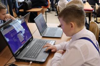 Фото: PRIMPRESS/ Софья Федотова | Школы России могут отменить пятибалльную систему оценок