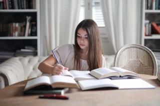 Фото: pexels.com | Более чем в 70 школах Владивостока откроют профильные 10-е классы