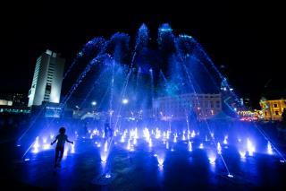 Фото: Татьяна Меель / PRIMPRESS   Во Владивостоке прошел тестовый запуск «сухого» фонтана