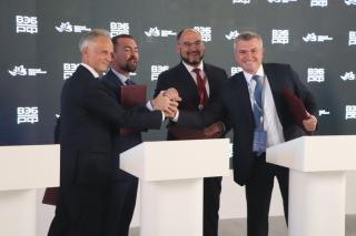 Фото: PRIMPRESS | На ВЭФ-2021 подписано четырехстороннее соглашение о реконструкции парка Минного городка