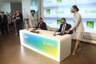 Фото: Екатерина Дымова / PRIMPRESS | Соглашение о сотрудничестве подписали администрация Владивостока и Сбербанк