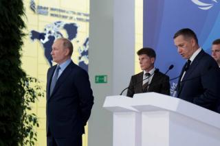 Фото: primorsky.ru   Сын губернатора Приморья презентовал свой проект Владимиру Путину на Восточном экономическом форуме
