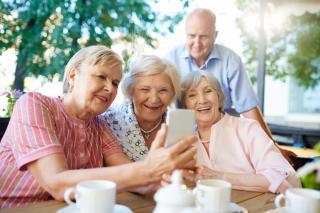 Фото: freepik.com | В правительстве поддержали решение съезда «Единой России»: пенсионеры получат новые выплаты