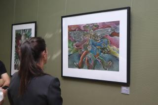 Фото: Екатерина Дымова / PRIMPRESS   «Полюбите нас черненькими»: выставка картин Всеволода Мечковского открылась во Владивостоке