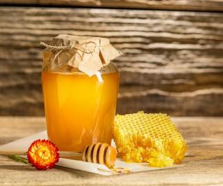 Фото: freepik.com | Как хранить мед, чтобы он не забродил?