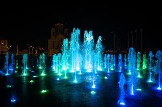 Фото: Фото: Сбер | Сбер запустил музыкальный фонтан на главной площади Владивостока
