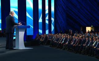 Фото: скриншот трансляции ТАСС | Путин рассказал, чем ВЭФ-2019 отличается от прошлых форумов