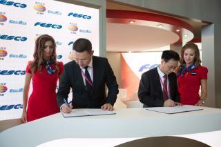 Президент FESCO подписал соглашение о побратимских связях между ВМТП и Группой «Шанхайский международный порт»