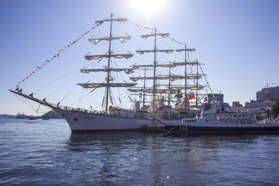 Международная регата учебных парусников стартовала в Приморье