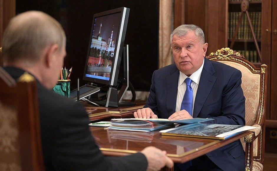 Сечин с Трутневым обратились к Путину
