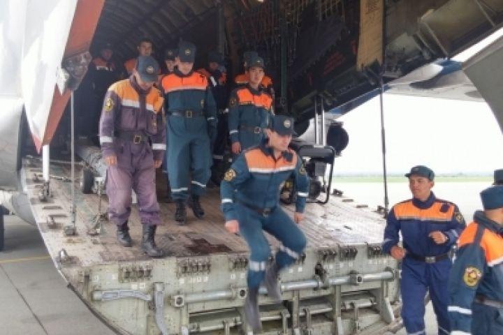 Новосибирские cотрудники экстренных служб вылетели впострадавшее отпаводка Приморье