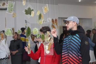 Фото: Екатерина Дымова / PRIMPRESS | «Дивный мир» представлен жителям и гостям Владивостока сразу на двух выставочных площадках