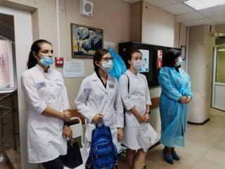 Фото: PRIMPRESS/ Софья Федотова | Студенты ТГМУ посетили клинический центр Приморья