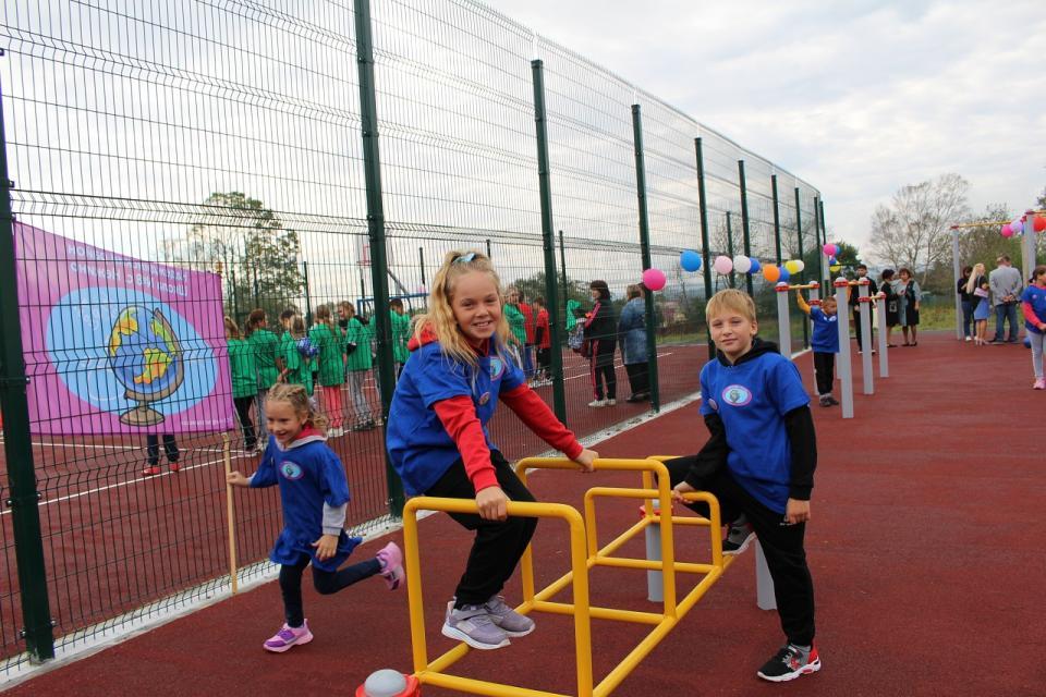 Еще одна школа в Приморье получила свой спорткомплекс