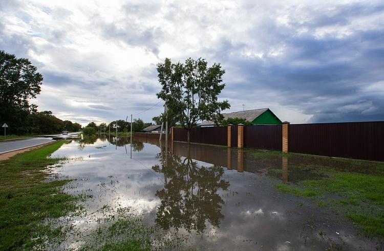 Пострадавшие в результате ЧС приморские семьи продолжают получать материальную помощь