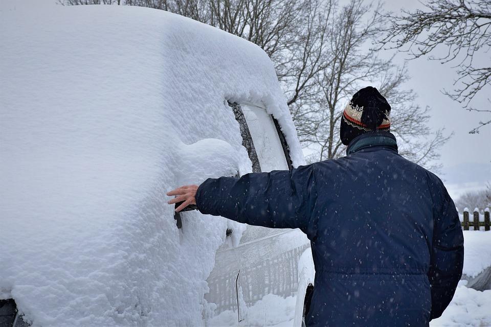 «Не верю своим глазам»: фото заваленного снегом Приморья удивило соцсети