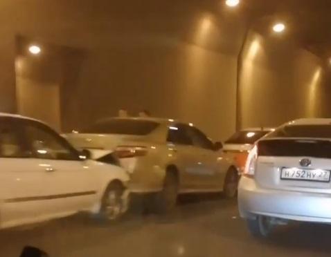 Массовое ДТП произошло в районе Золотого моста во Владивостоке