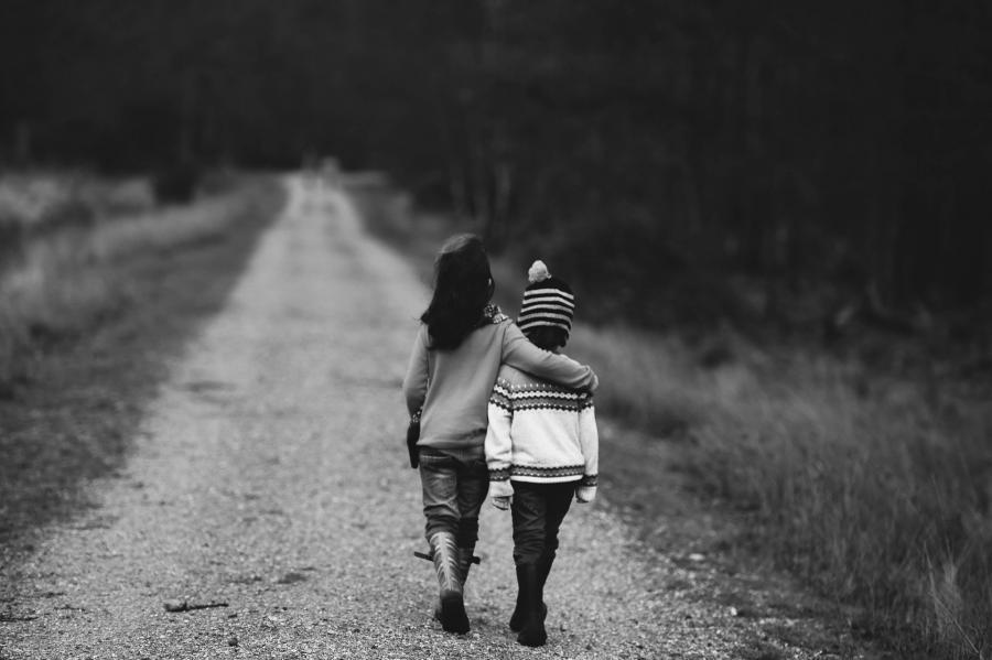 «Ребенка отпускать страшно»: жители одного из районов Владивостока бьют тревогу