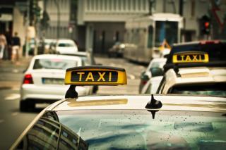 Фото: pixabay.com   «Он выходит из машины и берет меня за шкирку», - приморец остался недоволен поездкой на такси