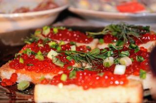Фото: PRIMPRESS | Эксперты озвучили приблизительную стоимость красной икры к Новому году