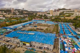 Фото: Т. Меель | На Спортивном рынке Владивостока применяли схему ухода от налогов?