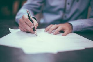 Фото: pixabay.com | «Уволить по статье». В Артемовской школе началась служебная проверка