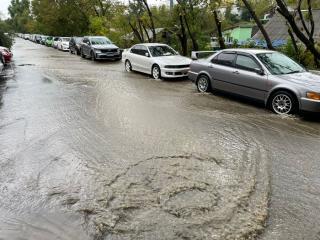 Фото: PRIMPRESS | Владивосток уходит под воду: в соцсетях появились фото последствий разгула стихии