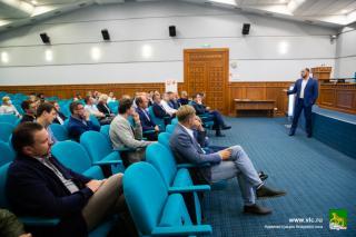 Фото: vlc.ru   Константин Шестаков провел рабочую встречу с застройщиками