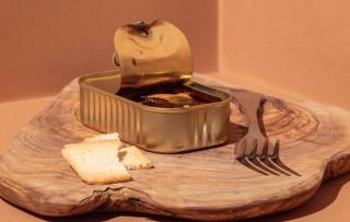 Фото: freepik.com | Где мясо? Эксперты Роскачества исследовали марки популярного у россиян продукта