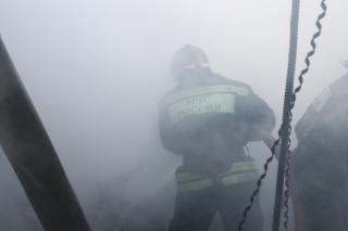 Фото: МЧС России по Приморскому краю | Появились подробности пожара в центре Владивостока