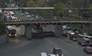 Фото: кадр из видео   Жители Владивостока восхитились поступком мэра на месте обрушения моста