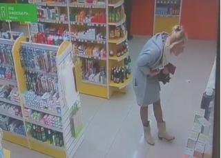 Жительницу Владивостока застыдили за то, что она сделала в аптеке