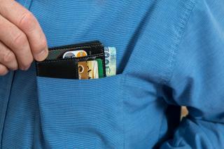 Фото: pixabay.com   Всем пенсионерам, получающим деньги на карту, советуют приготовиться