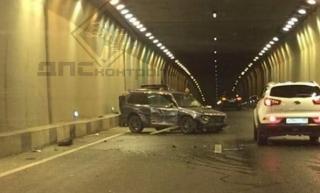 Во Владивостоке ночью на съезде с Золотого моста произошло ДТП