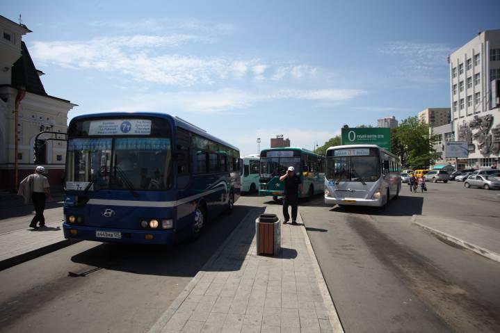 Старые автобусы по новым маршрутам: во Владивостоке внесены изменения в схему движения