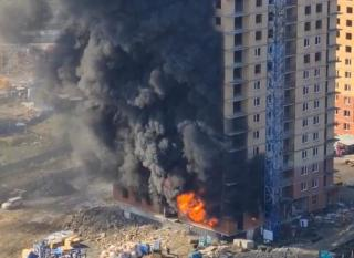 Фото: кадр видео | Во Владивостоке потушили крупный пожар в новостройке