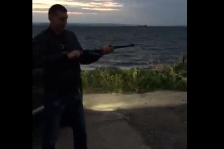 Граждане Владивостока устроили стрельбу изавтомата нагородском береге