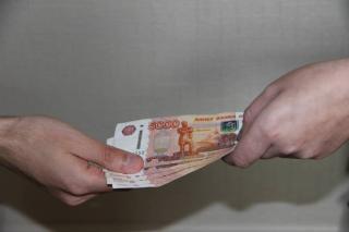 Житель Уссурийска использовал своего знакомого как источник обогащения